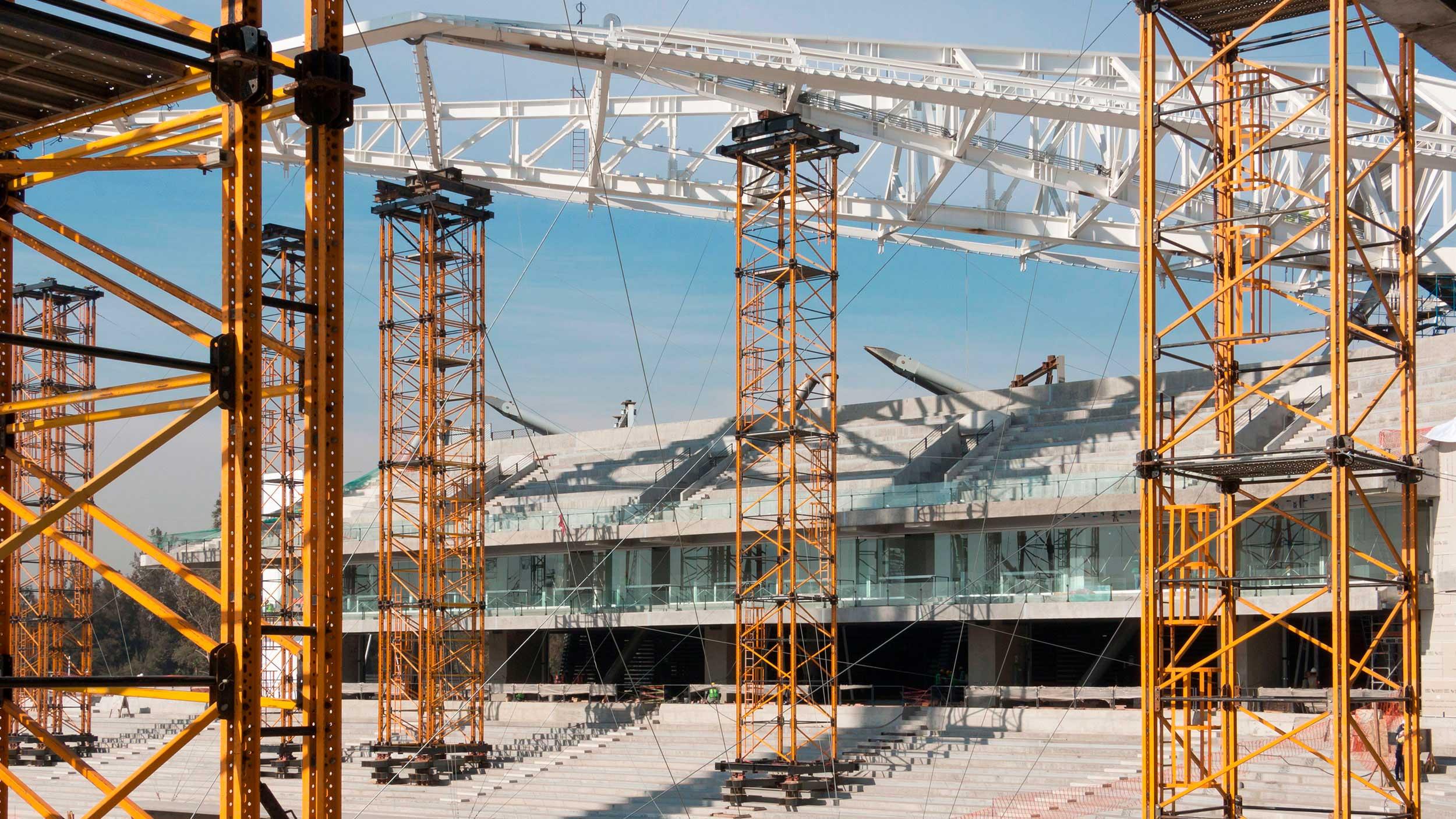 Systemy podporowe zaprojektowane do przenoszenia dużych obciążeń występujących na znacznych wysokościach. Rozwiązania znajdują zastosowanie podczas realizacji mostów, obiektów hydrotechnicznych, przemysłowych oraz energetycznych.