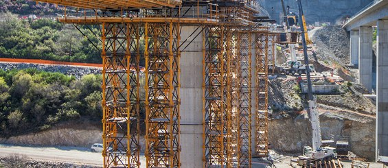 Realizacja wiaduktu z użyciem wież T-500