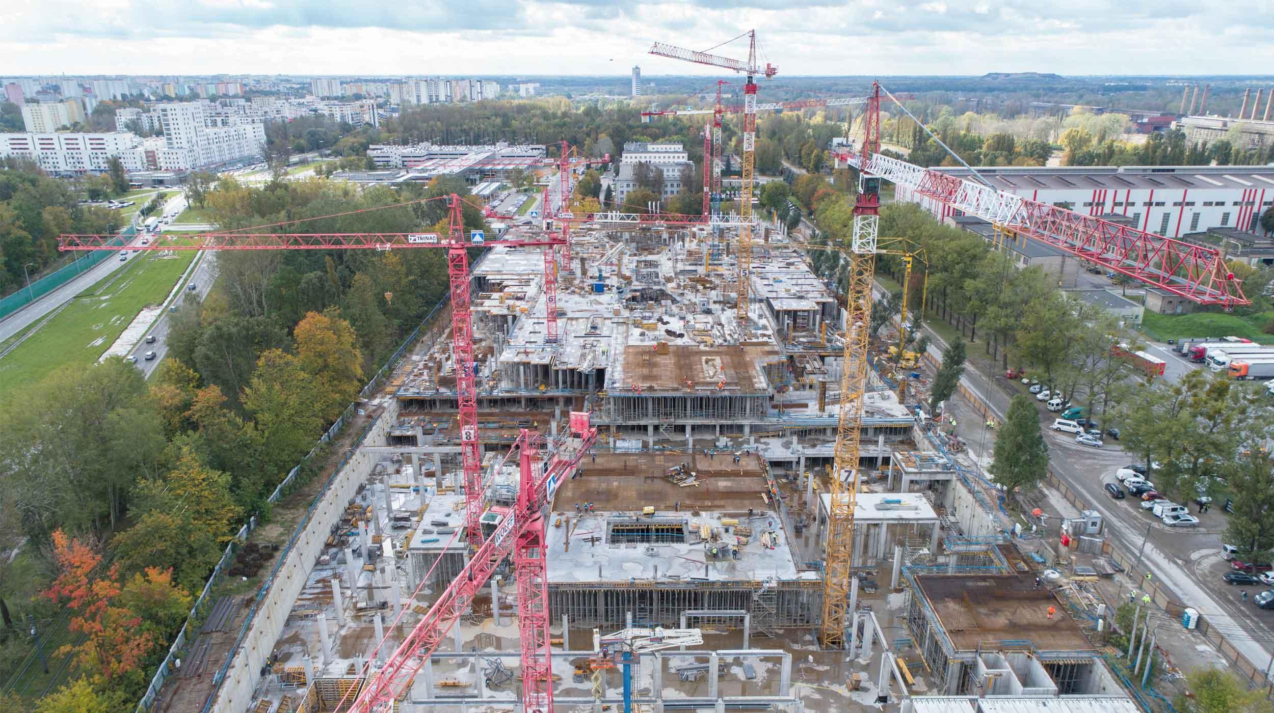 12.000 m² deskowania panelowego CC-4 na budowie największej galerii handlowej w Warszawie.