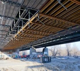 Most Grota-Roweckiego w Warszawie, Polska