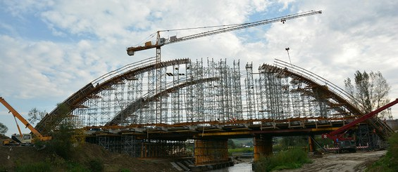 Most na rzece Stradomce k. Bochni, Polska