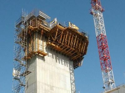 Budowa najwyższej wieży kontroli lotów w Polsce