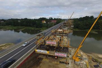 Debiut wózków formowania nawisowego CVS ULMA na budowach w Polsce